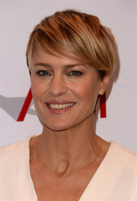 how to cut robin wright haircut robin wright side parted straight cut robin wright looks