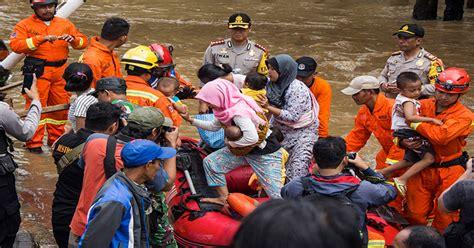 bnpb korban banjir jakarta hari  capai  jiwa