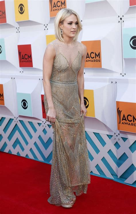 carrie underwood 2016 body carrie underwood 2016 academy of country music awards 02