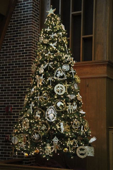 is a christmas tree a religious symbol 10 best crismons images on crafts decor and trees