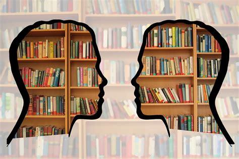 aprire libreria cosa fa un libraio la dura vita dei bookshop italiani