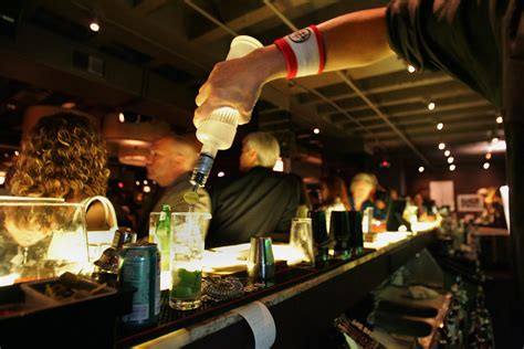top 10 bars in philadelphia top open bars for new year s eve in philadelphia 171 cbs philly