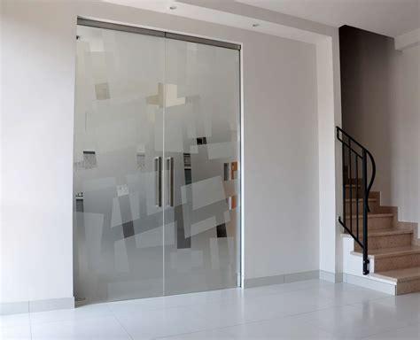 porta in cristallo scorrevole mazzoli porte vetro porte vetro scorrevoli a scomparsa