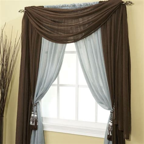 hanging long curtains best 25 long curtains ideas on pinterest
