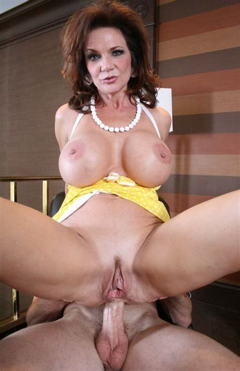 Deauxma Mature Photo Gallery