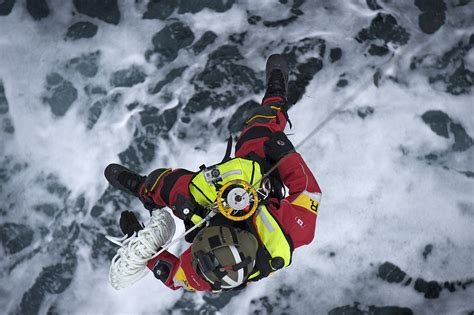 Search In Canada Search Rescue Canadian Armed Forces