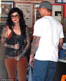 jesse james and kat von d can t keep their hands off each