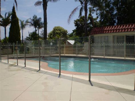 melbourne glass pool fencing melbourne 11