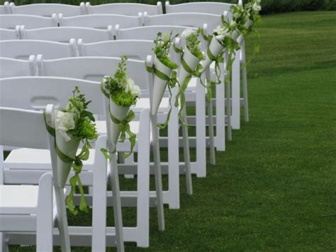 Wedding Aisle Flower Cones by Photo Gallery Photo Of Green White Pew Cones