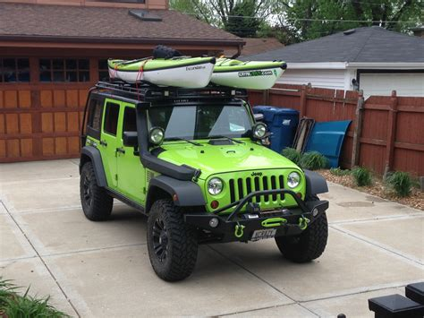 jeep kayak rack man a know this how to carry kayaks on jeep wrangler