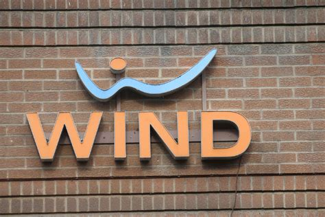 wind mobile shaw to keep wind mobile a discount mobile carrier