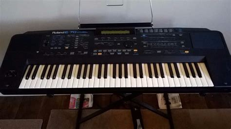 Keyboard Roland E70 Roland E 70 Intelligent Synthesizer In Condition