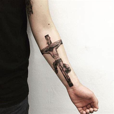 tattoo de jesus na mao 70 tatuagens de jesus cristo impressionantes
