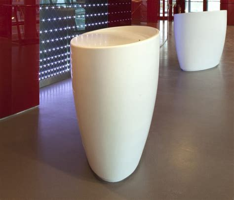 oval reception desk oval counter reception desks from amos design architonic