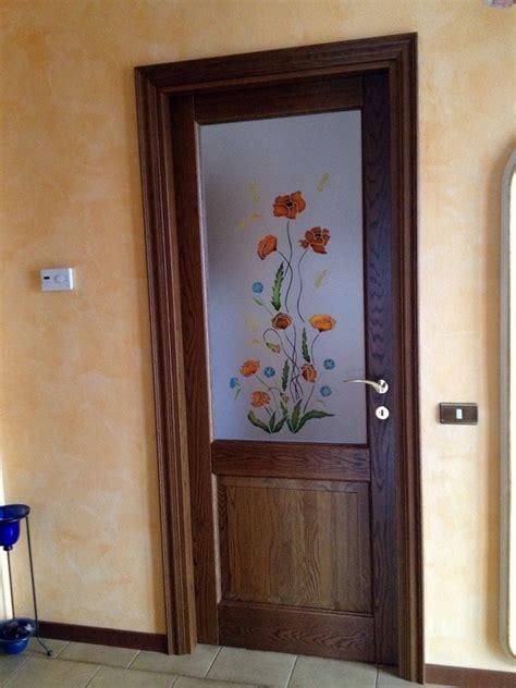 porte interne con vetro decorato foto porta con vetro decorato a mano de 035 serramenti e