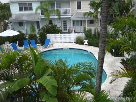 downtown with a pool great reviews homeaway truman