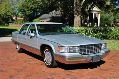 free online auto service manuals 1996 cadillac fleetwood seat position control service manual manual lock repair on a 1996 cadillac fleetwood 1996 cadillac fleetwood