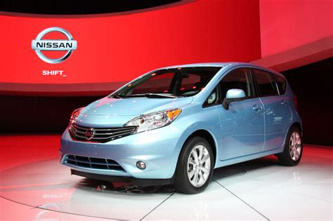 nissan versa note 2013 2014 nissan versa note priced from 13 990 autoblog