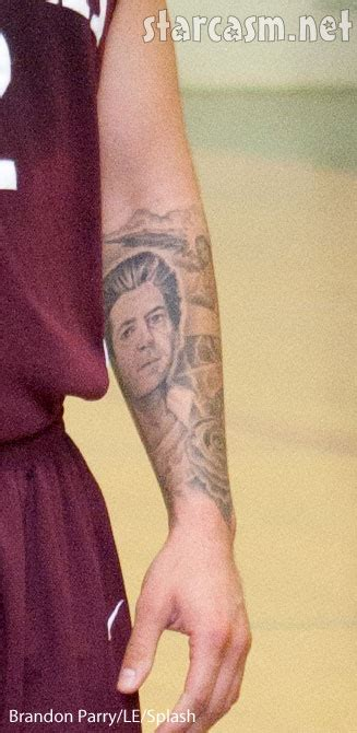 rob kardashian arm tattoos rob of kris jenner on his right arm