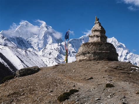 himalayan l monument en pierre en himalaya image stock image du
