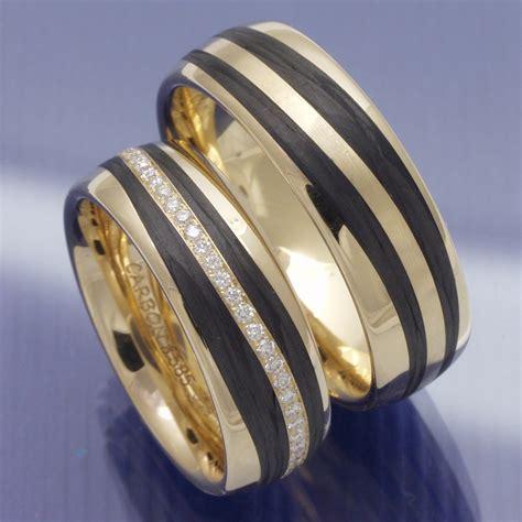 Eheringe Gold Carbon by Eheringe Shop Trauringe Apricotgold Carbon Und Brillantkranz