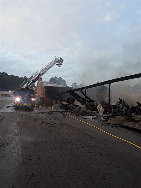 boat storage near lake lanier massive fire destroys more than 80 boats at storage