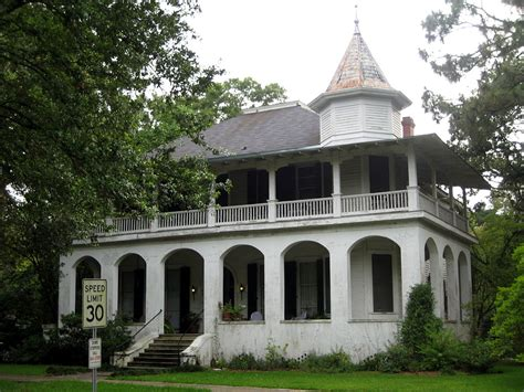 cool houses com file cool house with cupola in baton rouge jpg wikimedia