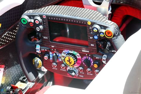 volante f1 steering wheel bahrain international circuit