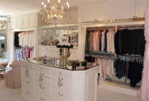 decor for a small bedroom beautiful closet design interior decorating ideas 18602   9dee892a0770fabbb59bbda2d1c18602