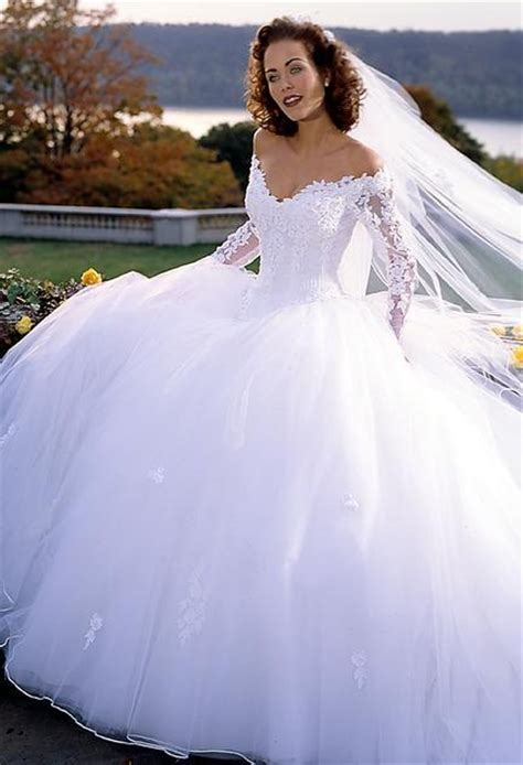 25  best ideas about Fluffy wedding dress on Pinterest