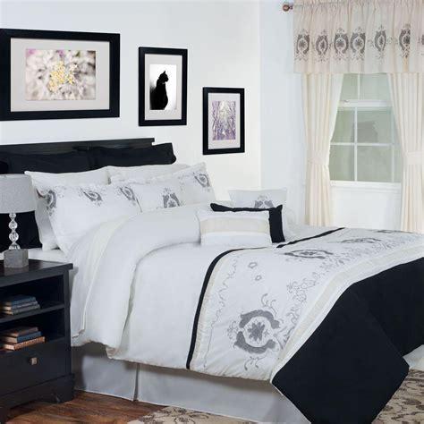 24 piece queen comforter set lavish home eloise white 24 piece queen comforter set 66