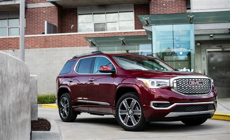 2020 gmc midsize suv 2017 gmc acadia in depth model review car and driver