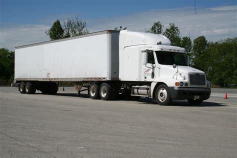 semi truck image gallery moving semi trucks