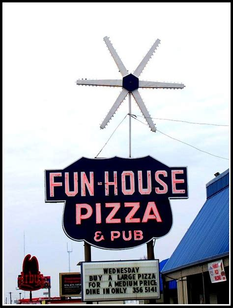 fun house pizza 17 best images about kansas city on pinterest theater kansas city chiefs and restaurant