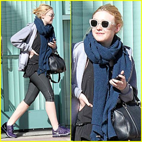what is dakota fanning doing now 2013 just jared page 2565
