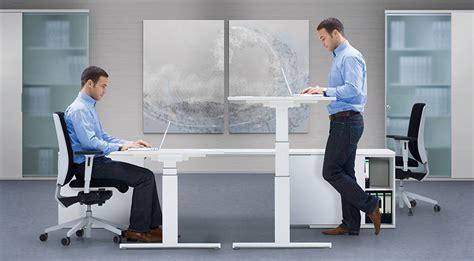 steh sitz schreibtisch sitz steh schreibtisch steharbeitsplatz varidesk pro