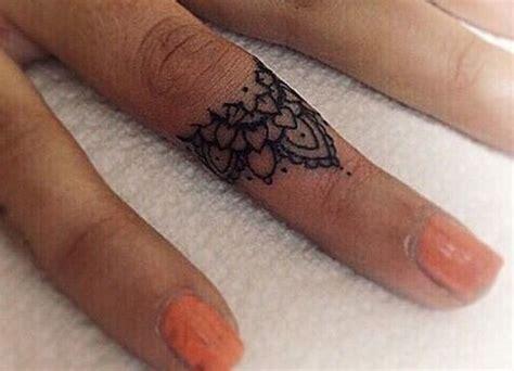 tattoo mandala ring dainty detail prettiest mandala tattoos on pinterest