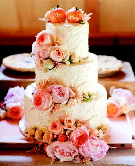 Simple Wedding Cake Ideas For Fall by 22 Pumpkin Wedding Cake Ideas For Fall Weddingomania