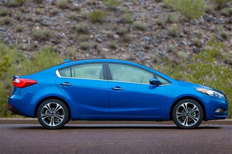 Kia Forte 5 Vs Hyundai Elantra Gt 2015 Kia Forte Vs 2015 Hyundai Elantra What S The