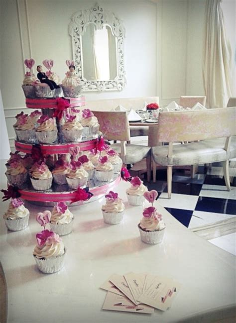 Sewa Wedding Cake Jakarta by Cupcakes By Chocoholic Paket Wedding Cake Cupcakes Di