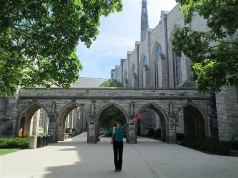 Northwestern Polytechnic Mba Ranking by Li At A Archway On Cus Picture Of