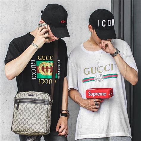 Bantal Hypebeast Sneaker Fans Supreme Gucci a complete a z guide to reselling streetwear and sneakers