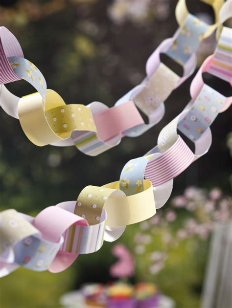 How To Make Paper Chains - how to make paper chains hobbycraft