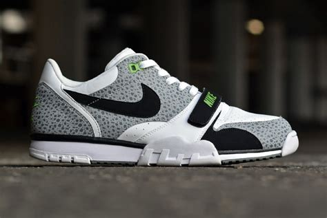 Nike Air Trainer Low nike air trainer 1 low safari chlorophyll le site de la