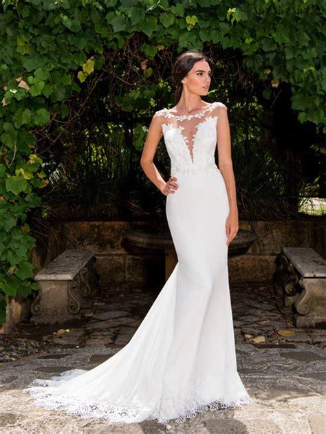 Plunging V Neck  Ee  Wedding Ee   Dress Fitted Chiffon  Ee  Wedding Ee