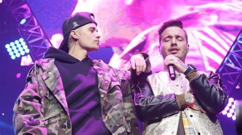 j balvin concert justin bieber crashes j balvin concert and performs sorry