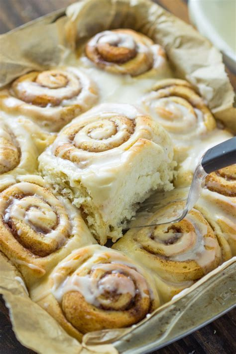 Cinnamon Roll by 30 Minute Cinnamon Rolls