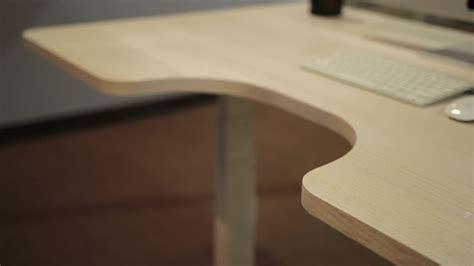 autonomous standing desk the autonomous desk keeps you on your toes at work images