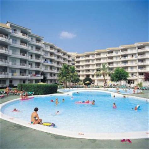 apartamentos cisne blanco menorca grupotel port d alcudia aparthotel holiday reviews