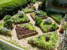 small vegetable gardens ideas small veggie garden ideas mountain gardening small space